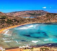 Ghajn Tuffieha tengerpart