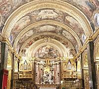 Szent János társkatedrális festményei
