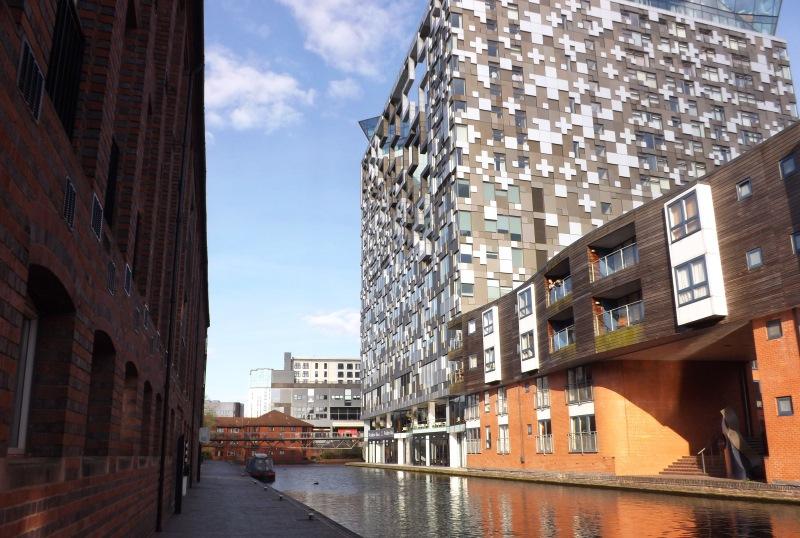 Birmingham ikonikus építészeti remekműve, A Kocka épület