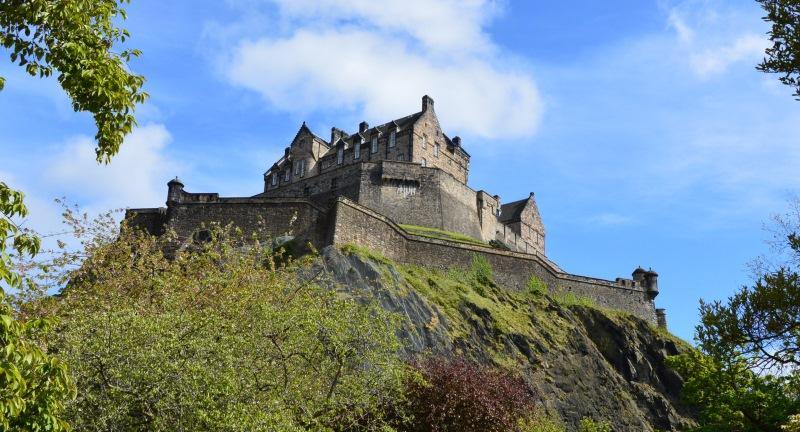 A vulkanikus Castle Rock tetején fekvő edinburgh-i vár