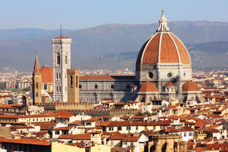 Olaszország harmadik legnagyobb katedrálisa, a firenzei dóm.