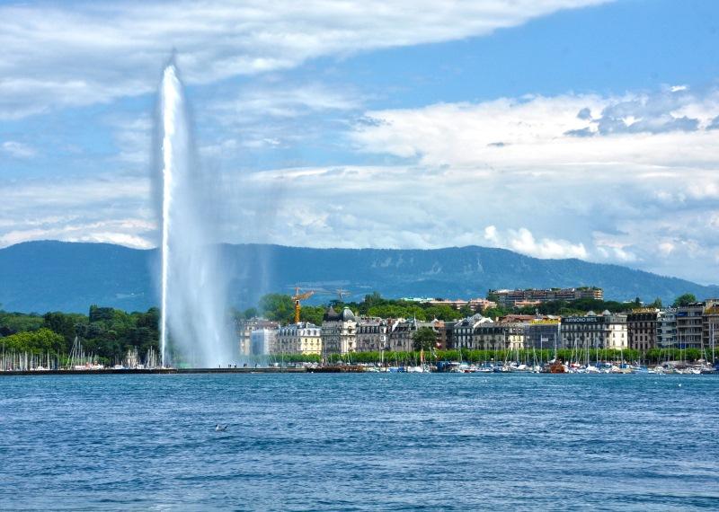 Genf szimbólumának számító 140 méteres magasságig feltörő vízoszlop