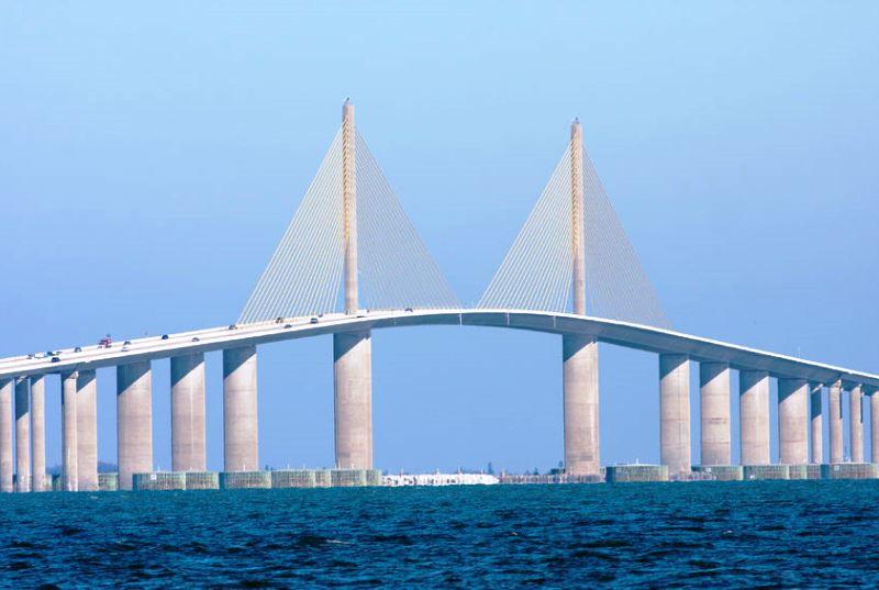 Napfény Híd, eredeti nevén Sunshine Skyway Bridge