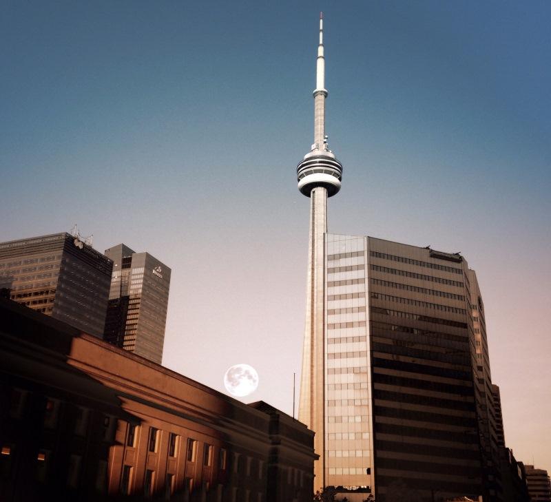 Az ipar erejét demonstráló CN Tower