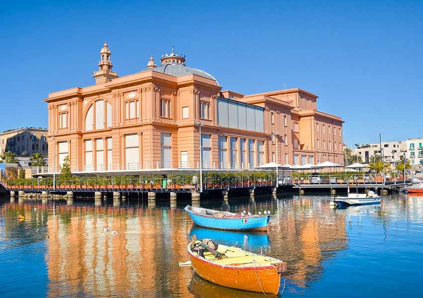 Margherita színház Bariban - repjegy.hu