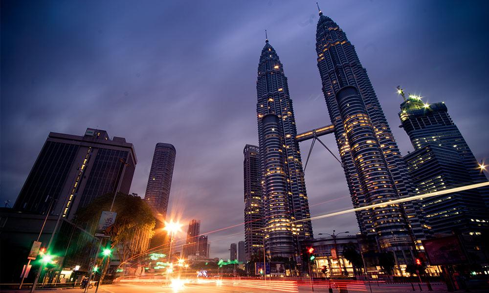 A 2003-ig világ legmagasabb épülete, a Petronas ikertornyok