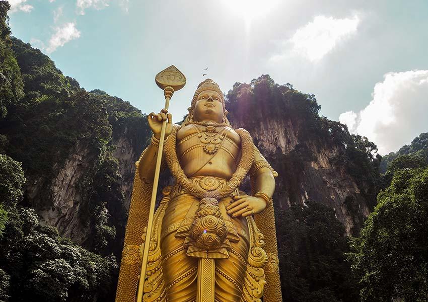 Batu Barlangok, Kuala Lumpur egyik legnészerűbb látnivalója