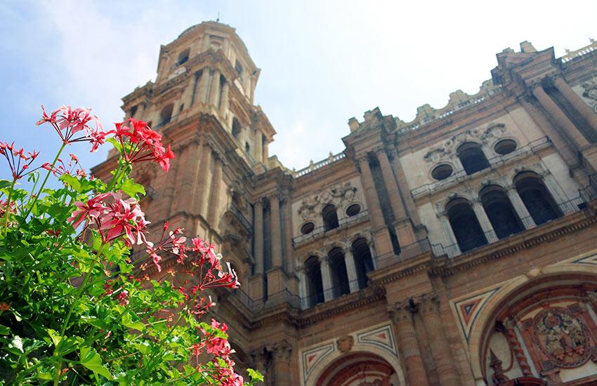 Az egytornyú katedrális, a La Manquit